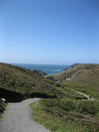 The Lizard and Kynance Cove: Pathway down to Kynance Cove (National Trust)