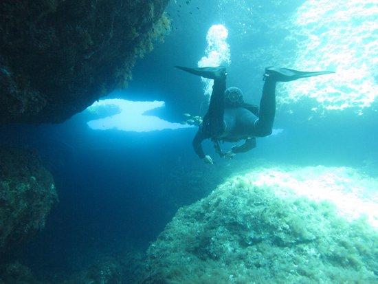 Cirkewwa, Μάλτα: Mergulho em Comino!