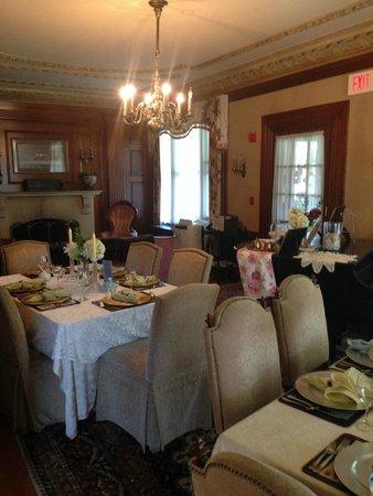 Silver Fountain Inn: Diningroom