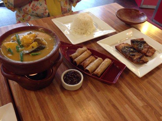 Cafe Manila: Kare-Kare, Lumpia, Bangus