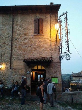 Ristorante Taverna del Falconiere: Ingresso