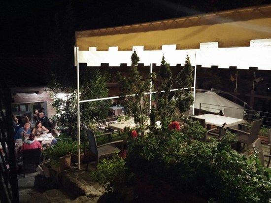 Stunning ristorante taverna del falconiere le terrazze - Piastrelle per terrazze esterne ...
