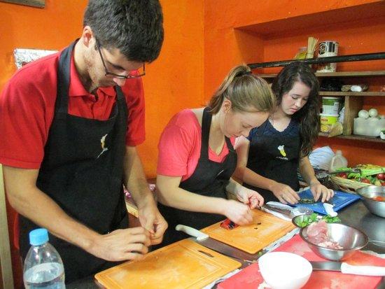 El Frijol Feliz Cooking School : Making tamales
