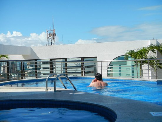Best Western PREMIER Maceio: Espectacular piscina en lo más alto del Hotel