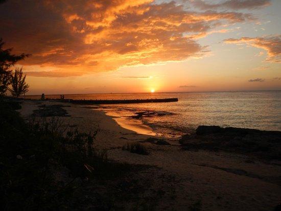 Playa Azul Golf, Scuba, Spa: Sunset from our balcony- Stunning!