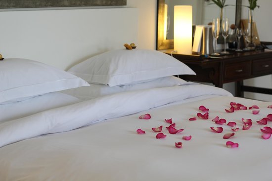 Villa Afrikana Guest Suites : Our bed upon arival