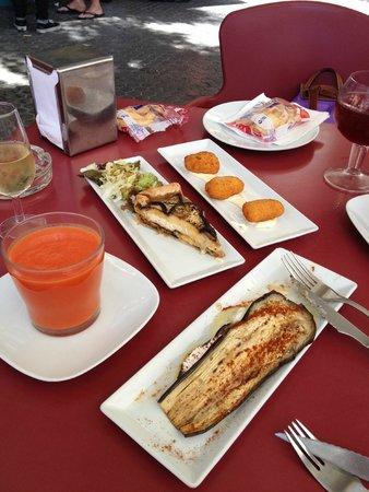 Catalina Bar De Tapas: repas de tapas