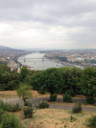 Citadel: Cittadella overlooking the chain bridge and Danube River