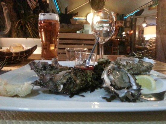 L Archipel: Les huîtres, un régale.