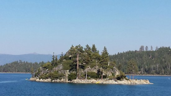 M.S. Dixie II: island at center of emerald bay