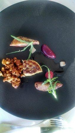 Restaurant Le Saint-James Relais & Chateaux : Pigeon Breast & Foie Gras