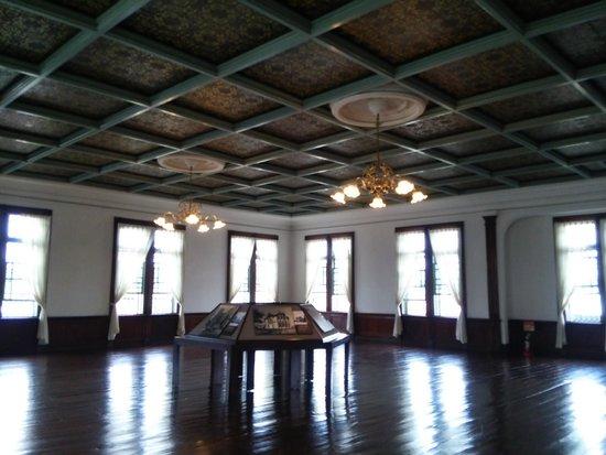 Former Fifty-Ninth Bank Aomori Bank Museum: 2階の大広間