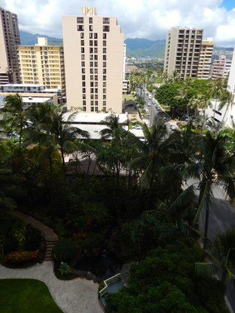 Hilton Waikiki Beach: View from our 6th floor room to the east