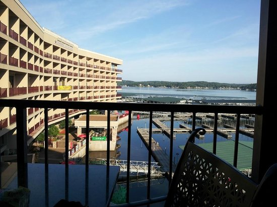 Camden on the Lake Resort, Spa, & Yacht Club: H. Toad balcony enjoying breakfast
