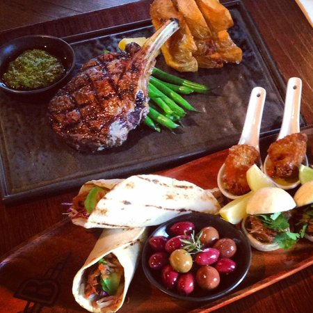 The Restaurant at The Burwood Inn: Steaks and a tasting plate