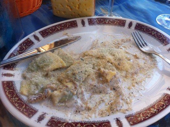 Da Tapulin: Pansotti salsa con noce... Un délice