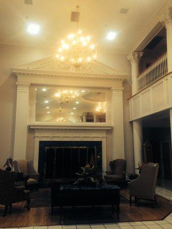 Cumberland Inn and Museum: lobby