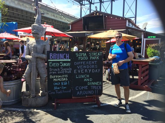Streets of San Francisco Bike Tours: Food trucks for lunch