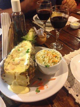 El Sitio: Camarão no abacaxi!!! Delicioso!!!