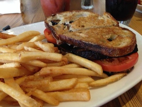 Sides Hardware and Shoes - a Brothers Restaurant : Grilled Cheese with bacon steak