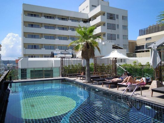 Sunshine Hotel & Residences: プール