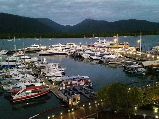Shangri-La Hotel, The Marina, Cairns: View of Marina