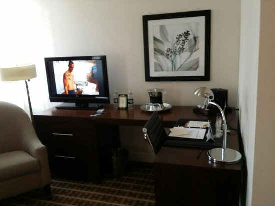 The Ellis Hotel: Room