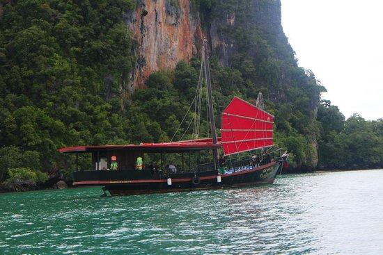 Krabi Sunset Cruises : long tail boat