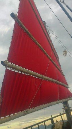 Krabi Sunset Cruises : sailing