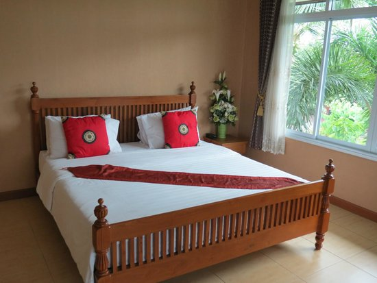 Juntra Resort & Hotel