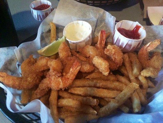 Dirty Al's : Great fried shrimp and fries!!!