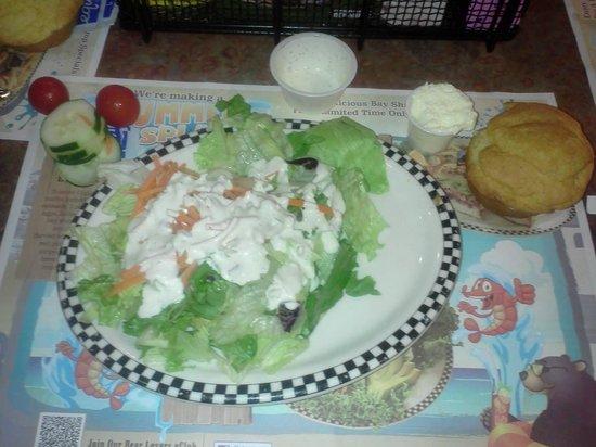 Black Bear Diner: HUGE salad, fresh, crisp and delicious!!!