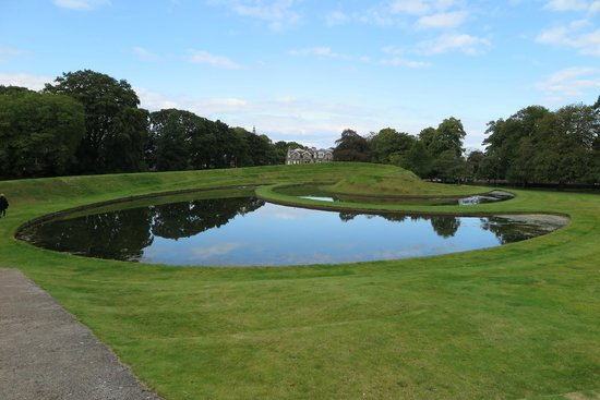 Scottish National Gallery of Modern Art One: Egads, exceptional earthworks!