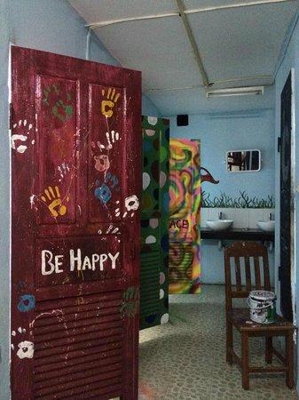 Khammany Inn: washrooms