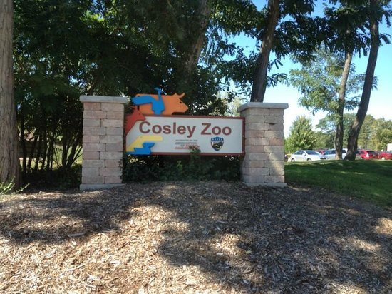Cosley Zoo: The new sign