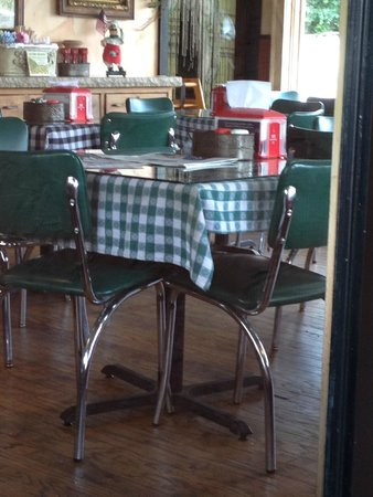 Shorewood, MN: Clean and Comfortable Restaurant