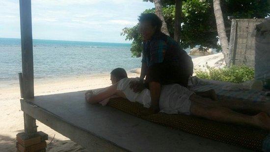 Lazy Day's Samui Beach Resort: Direkt am Hotelstrand, 1 Stunde 250 Bath, Verwöhnpaket. Fantastisch. 😄😓