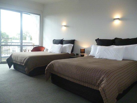 Pacific Park Suites: Deluxe Rooms