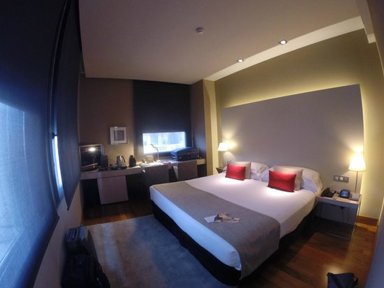Grand Hotel Central: Our room (4th floor)