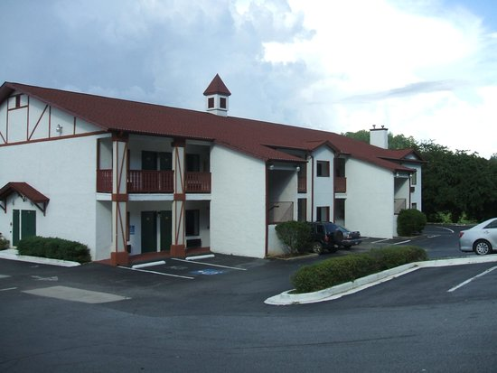 SureStay Hotel Helen Downtown: second building