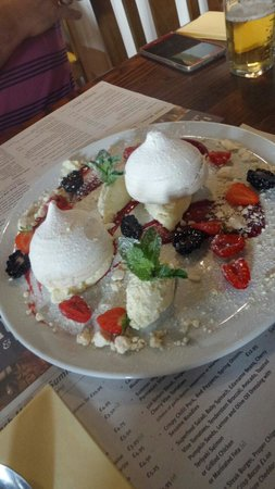 The Hub Alehouse and Kitchen : Eton Mess to die for!