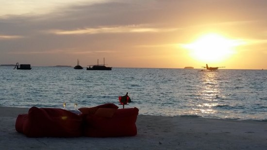 Niyama Private Islands Maldives: beautiful sunset at Niyama