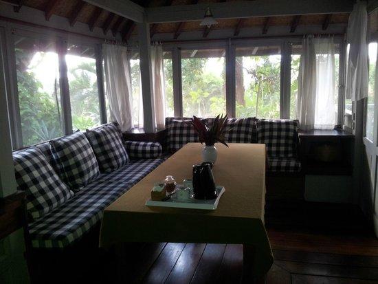 Taman Bebek Resort & Spa: dining are of villa