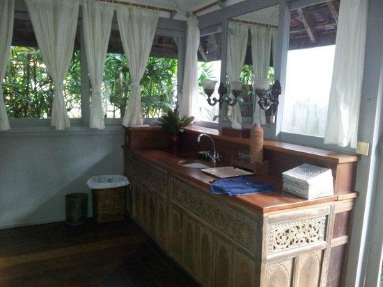 Taman Bebek Resort & Spa: Sink area