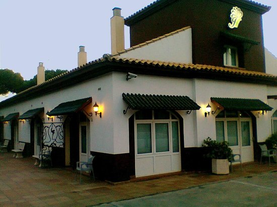 Hostal El Jardin: good clean basic hotel for sharp price