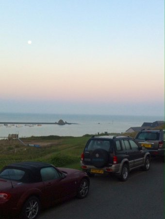 Bude Holiday Resort: Harvest Moon over Bude Beach