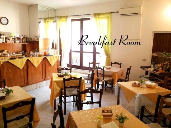 Hotel Francesco: Breakfast Room