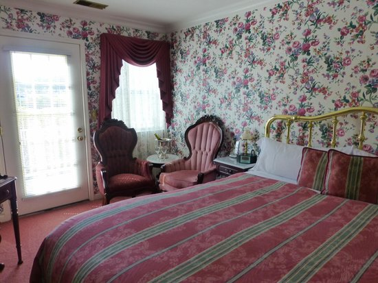 Pacific Victorian Bed and Breakfast: Mountain Room