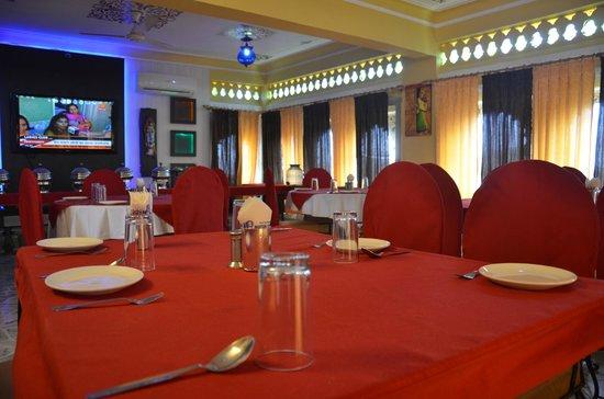 OYO 3942 Hotel Baba Palace : AC Dining