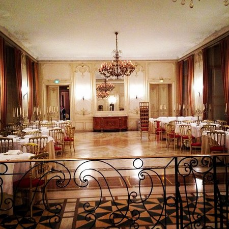 Chateau D'Ermenonville: One of the dining halls